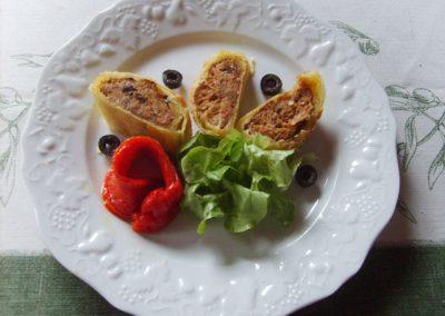 medaillons farce d agneau en croute lamelle de poivron grille au pavillon gourmand