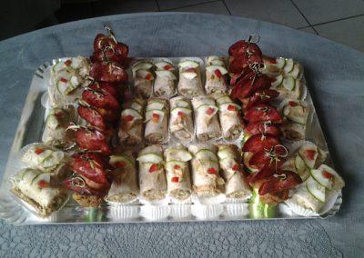 mmini sandwiches et brochettes de chorizo