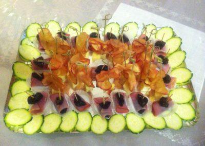 plateau cocktail petales de pomme confite brochettes pruneau bacon