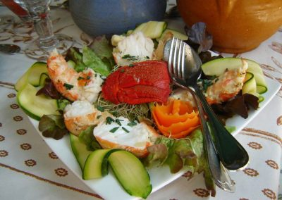 salade de langouste lanieres de courgette al dente au pavillon gourmand